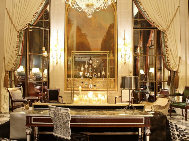 The-lounge-that-shows-off-the-best-in-French-interior-design2-635x476