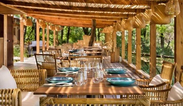 Các thiết kế Resort với nguyên liệu làm từ thiên nhiên luôn mang đến điều thú vị