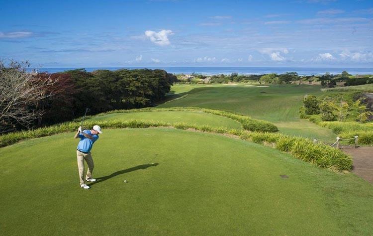 Sân golf tại Resort